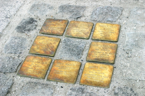 Stolpersteine am NS-Arbeitslager Weyer